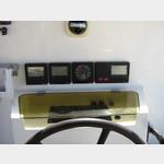 07041909-Veligandu Autohelminstrumente im Cockpit
