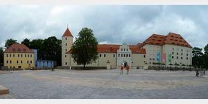5 - Schloss Freudenstein mit dem Schlossplatz in Freiberg