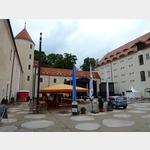 6 - Innenhof Schloss Freudenstein in Freiberg mit Biergarten