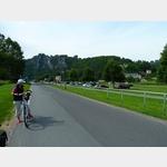 20 - Blick auf Rathen und den dortigen Parkplatz am Elbeufer