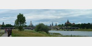 7 - ferner Blick auf Dresden