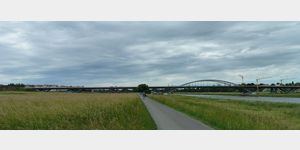 17 - neue umstrittene Brücke im Naturschutzgebiet von Dresden