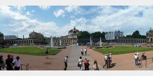 11 - Dresden, Blick in den Zwinger