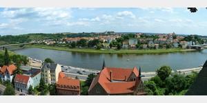 14 - Blick von der Albrechtsburg hinüber zum neuen Meißen