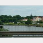 15 - Blick von der Elbebrücke in Riesa auf den Park- und Stellplatz