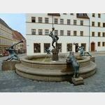 8 - Torgau, Brunnen am Marktplatz