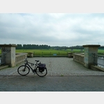 3 - Standort der historische Elbebrücke von 1880 in Torgau und rechts die neue von 1993