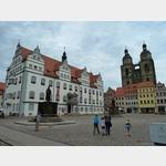 28 - Rathaus und Stadtkirche in Wittenberg