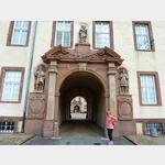 10 - Eingang zum Schlosshof Corvey bei Höxter