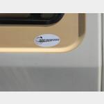 09091765-MeinWomo Aufkleber an Lotti.JPG
